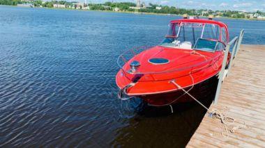 Купить яхту Crownline 315 SCR - CROWNLINE 2006 в Shestakov Yacht Sales
