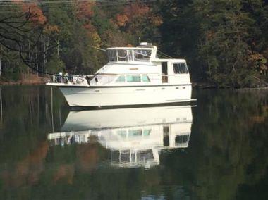 "best yacht sales deals Here's a idea - HATTERAS 43' 0"""