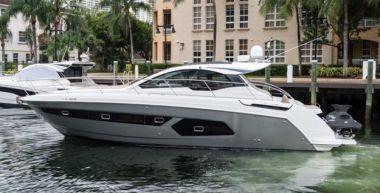 Buy a yacht G & GJ - AZIMUT