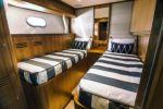 Продажа яхты JOHNSON 83' SKYLOUNGE W/HYDRAULIC PLATFORM - JOHNSON Skylounge with Hydraulic Platform