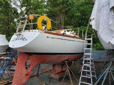 CHLOE yacht sale