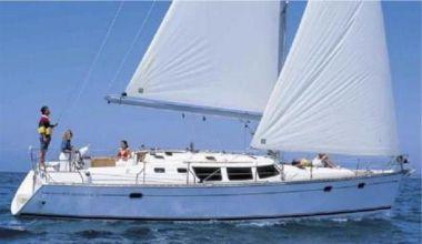 best yacht sales deals Amoreena - JEANNEAU