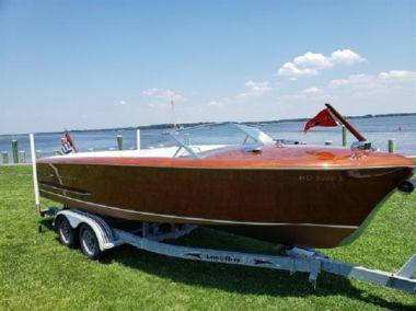 Daydream yacht sale