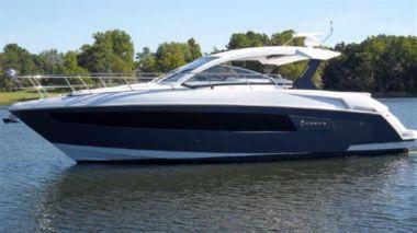 Продажа яхты 390 Express Coupe
