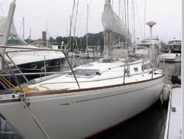 Купить яхту 1988 Cal 39 в Atlantic Yacht and Ship