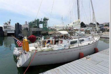 Купить Hickory Wind - SABRE YACHTS