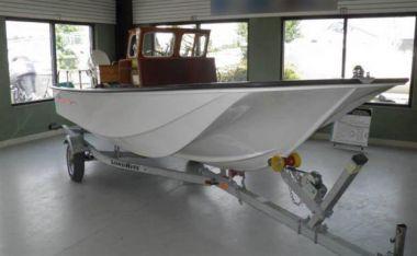 Metan Manhasset 17 yacht sale